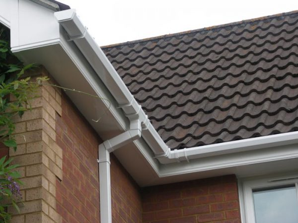 uPVC Cleaning & Gutter Vacuuming